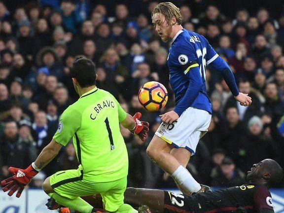 Goal Tom Davies