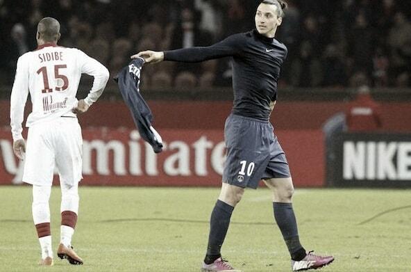 Zlatan Ibrahimovic mendonasikan uangnya