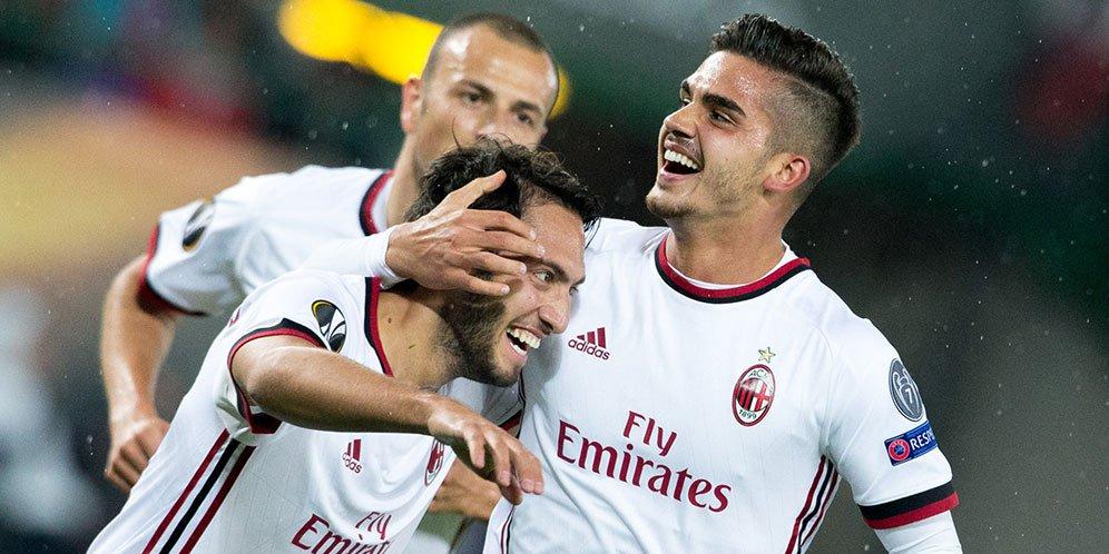 Calhanoglu dan Silva AC Milan vs Austria Wien